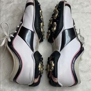 Woman's Nike Golf Shoes size 6